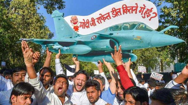 The Congress has stepped up heat on government over Rafale deal and is seeking to make it major poll issue ahead of assembly, Lok Sabha elections. (Photo: File | PTI)