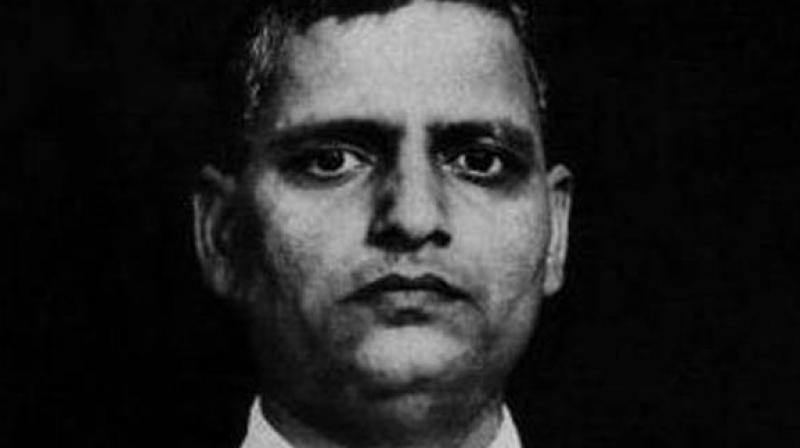During the celebration of Godse's birth anniversary, these Hindu Mahasabha members lit up diyas around Godse's photo, exchanged sweets and sang bhajans in the temple premise. (Photo: Representational)