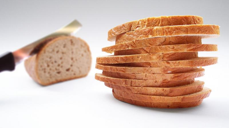 Bread can not only be eaten but can also be used to clean smudges (Photo: Pixabay)