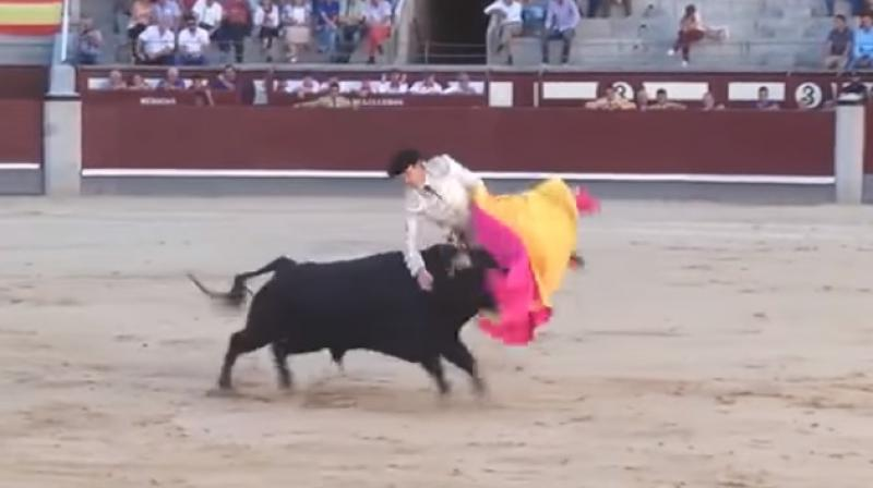 Moment Miguel is tossed by bull caught on tape (Photo: Youtube)