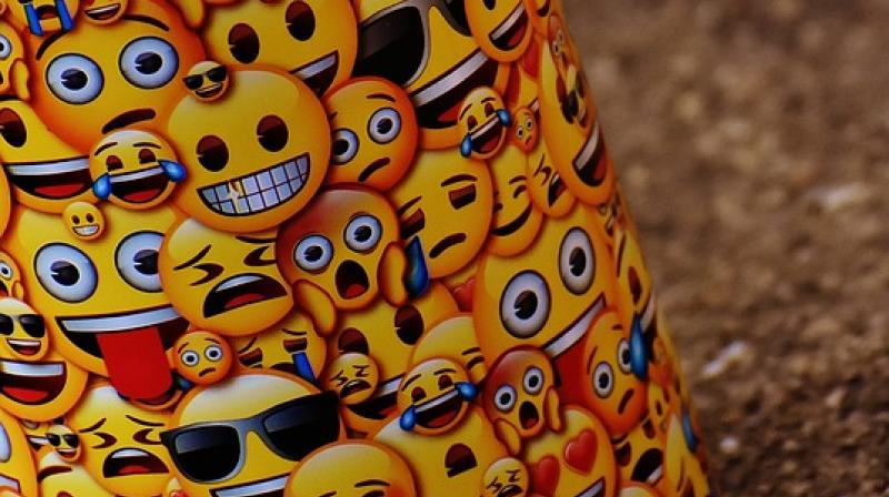 Study shows perceptions of low competence if a smiley is included in turn undermined information sharing (Photo: Pixabay)