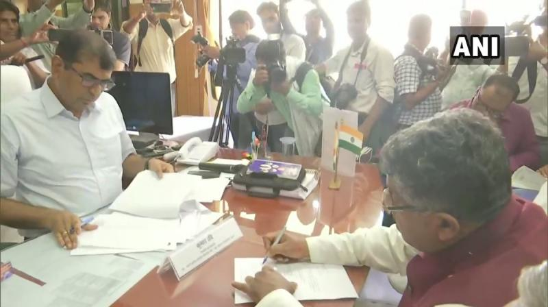 Union Minister and Bharatiya Janata Party (BJP) leader Ravi Shankar Prasad filed his nomination from the Patna Sahib constituency on Friday. (Photo: Twitter/ANI)