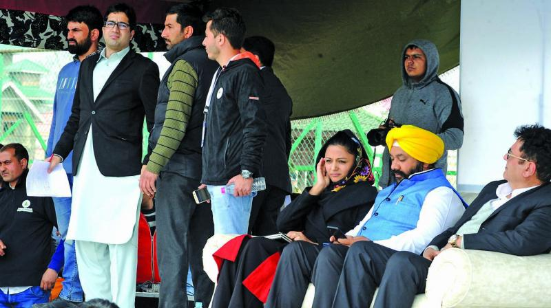 File photo of Shah Faesal (second from left) at a rally to launch his party J&K People's Movement. (AA Photo: H U Naqash)