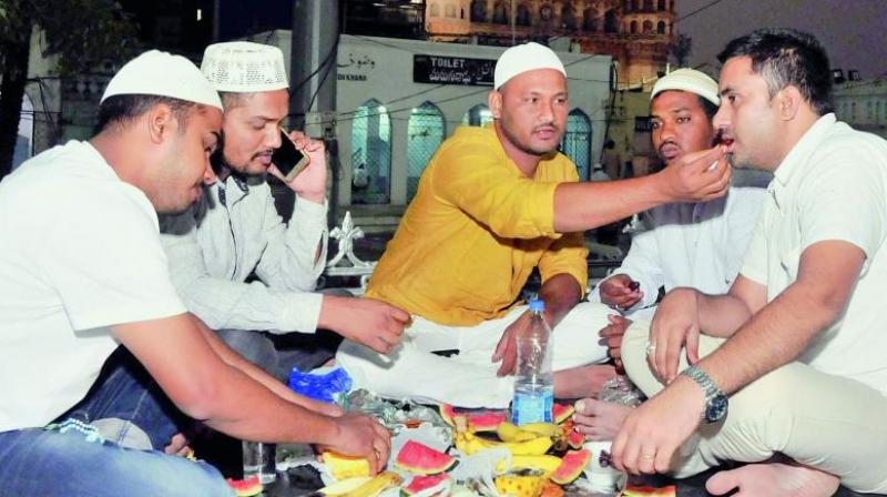 The delicacies offered at the iftar included purely vegetarian fare. (Image: P. Surendra)