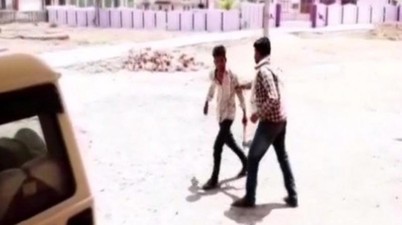 The man barged into Block Office of Damoh with a hatchet to threaten a government official for not releasing funds allotted to his father under Pradhan Mantri Awas Yojana (PMAY). (Photo: ANI)