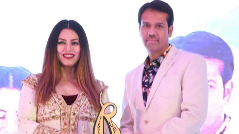 Shafeeq Rahman with Bollywood diva Mahima Chowdhary.