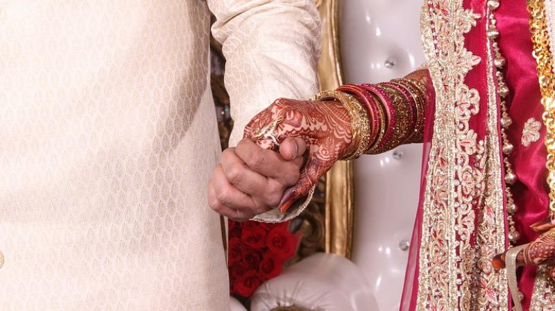 It was hosted by Indian diamond trader Mahesh Savani in Gujarat. Savani, who believes that giving away brides is a blessing from God. (Photo: Pixabay)