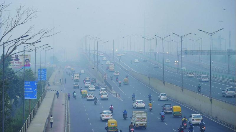 At 8.30 am, the capital's overall air quality index stood at 459. It was 410 at 8 pm on Thursday. (Photo: File)