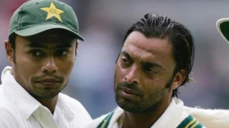 Former Pakistani leg-spinner Danish Kaneria on Tuesday lauded Pakistan pacer, Shoaib Akhtar, for his confession regarding the treatment faced by Kaneria and said that whatever Akhtar said was true and he is very thankful to him for taking such a brave stand. (Photo:AFP)