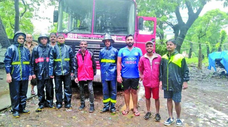 Team of Khushiyaan Foundation with the fire brigade