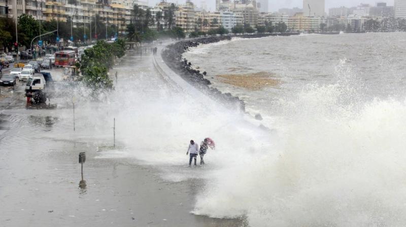 A high tide seen at Mumbai's Marine Drive. (Photo: PTI)