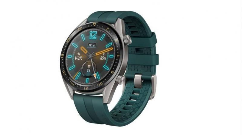 The Watch GT Active has a large 46mm watch face with touchscreen and sports a 1.39-inch AMOLED HD screen.