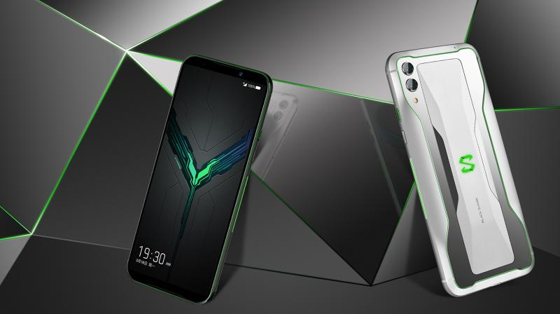 With its 6.39-inches TrueView Display with HDR, powered by the Snapdragon 855 flagship chipset, the Black Shark 2 churns out realistic, natural and accurate colours.