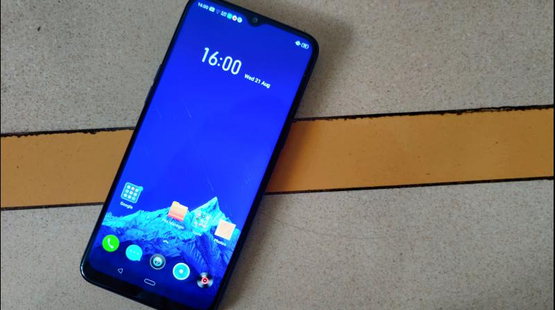 The 6.5-inch screen of the Realme 5 has a 720 x 1600 resolution, but manages to look good with its viewing angles, and 320 DPI density, which is decent for the segment.