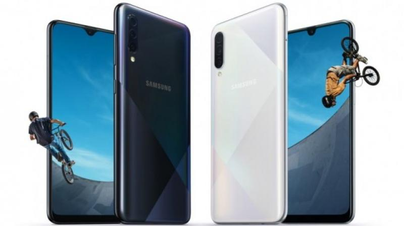 Samsung has revamped the back of teh phones and brings a new geometric design and four colour options.