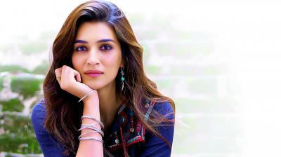 kriti sanon in real life