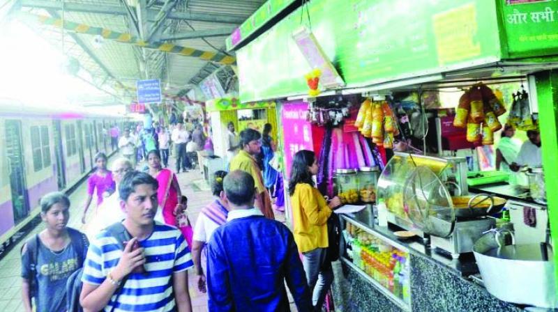 Dadar station brawl: TC, constable file complaints