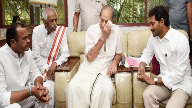 Both the leaders visited the late actress' residence separately in Nanakramguda area of the city and extended condolences to the family of the deceased. (Photo: ANI)