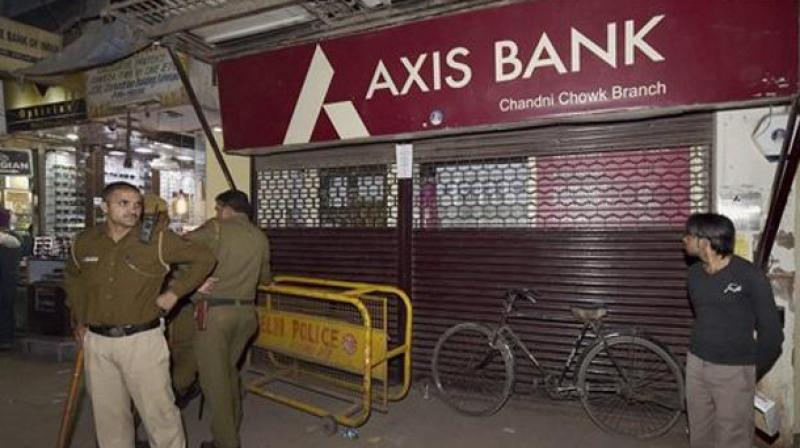 Private sector Axis Bank on Thursday reported a net loss of Rs 2,188.74 crore for the quarter ended March 2018 due to higher provisioning for bad loans. (Photo:PTI)