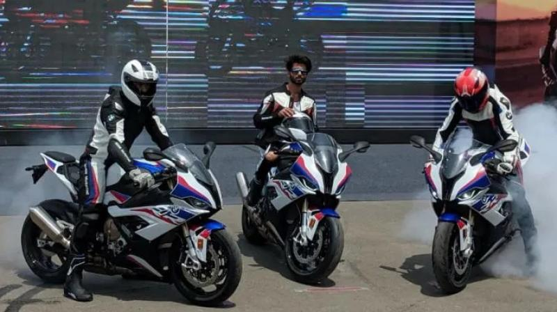Bmw Launches 2019 S 1000 Rr In India
