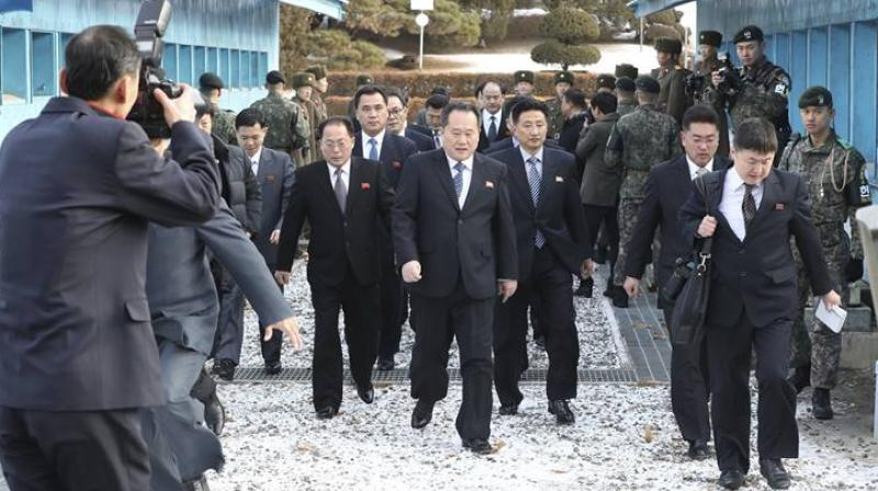 A Unification Ministry official said, the North Korean delegation walked over the border inside the joint security area (JSA) to the Peace House around 0030 GMT. (Photo: AP)