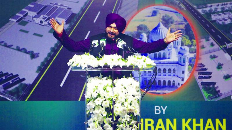 Punjab Cabinet minister Navjot Singh Sidhu addresses a crowd during a ceremony in Kartarpur, Pakistan. (Photo: AP)