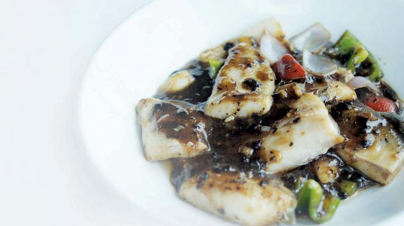 Pomfret fillet steamed seabass