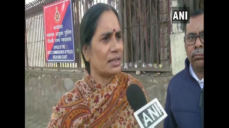 Nirbhaya's mother Asha Devi requested President Ram Nath Kovind to summarily reject the mercy petition of death row convict in the Nirbhaya case, Mukesh Singh. (Photo: ANI)