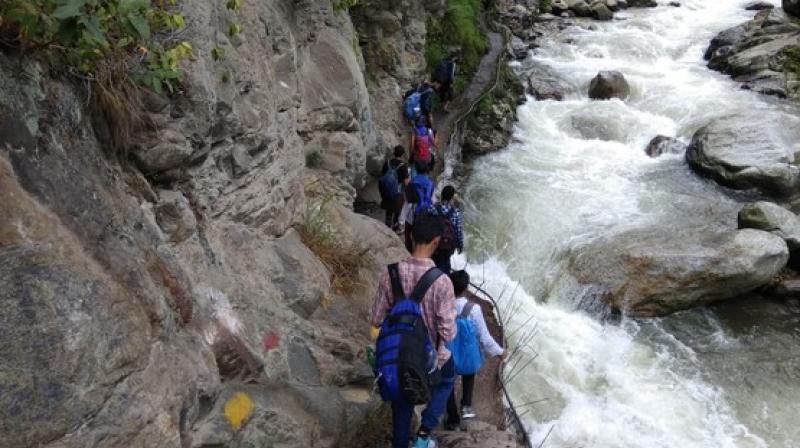 Pilgrims en route to Shrikhan Mahadev. (Photo: ANI)