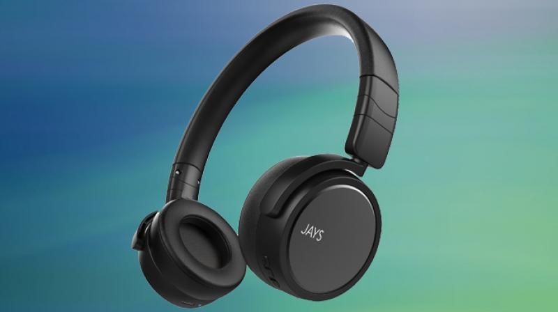 Dressed in all black, these headphones ooze substance.