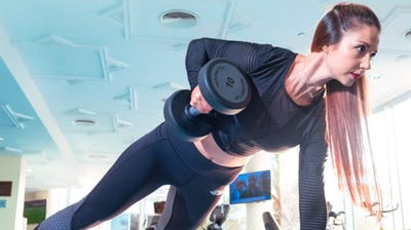 Weight lifting is a good way to get rid of belly fat. (Photo: Representational/Pexels)