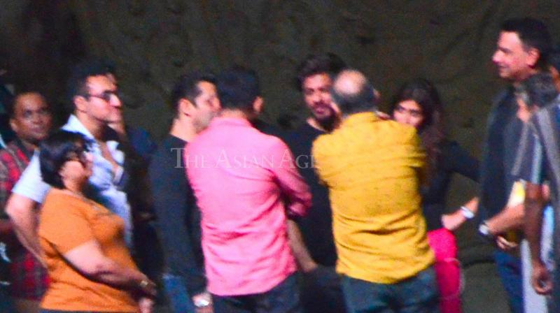 Shah Rukh Khan and Salman Khan caught up to rehearse their act for the Star Screen Awards. (Photo: Viral Bhayani)