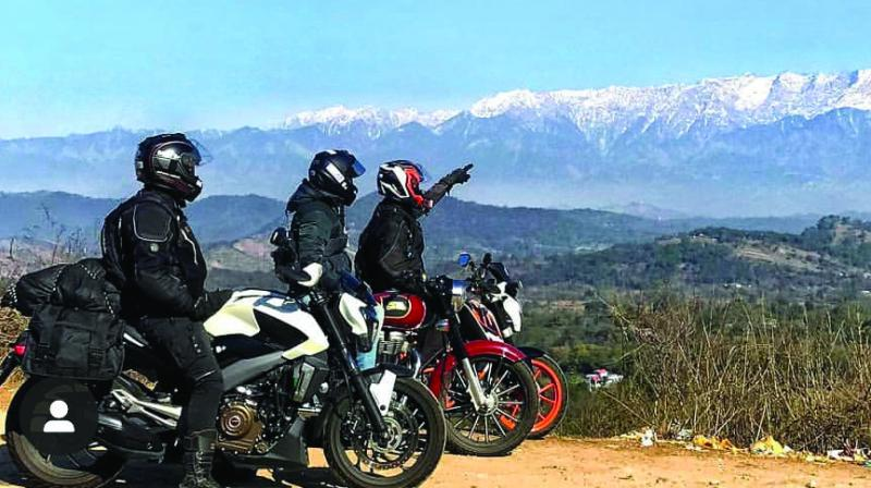 With today being World Tourism Day,  it is pretty obvious how much Indians, especially 'today's generation', love travelling. But there is a twist here, rather than taking the flight or the 'choo-choo', they prefer to go for the 'vroom-vroom'. (Picture credit: Nitesh Jeiya)