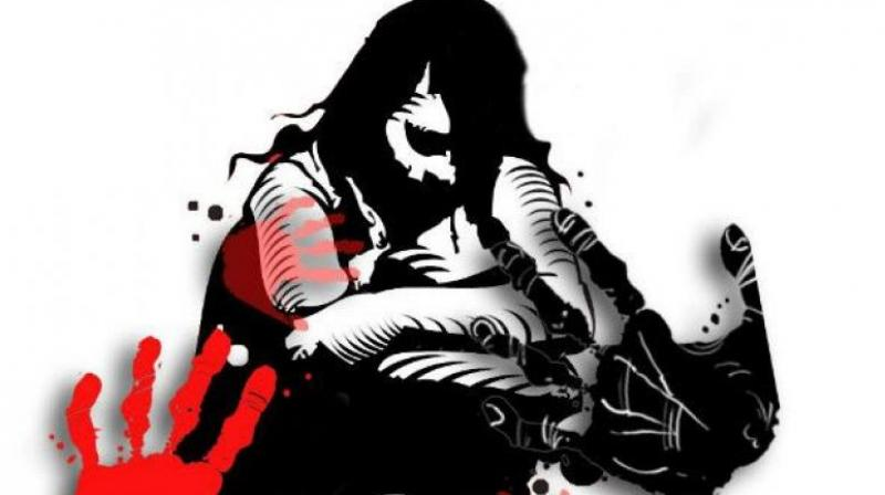 SHO of Khoda police station Jai Prakash Chaubey said on getting information from the sister of victim girl police reached the spot and nabbed her father. (Photo: Representational Image)