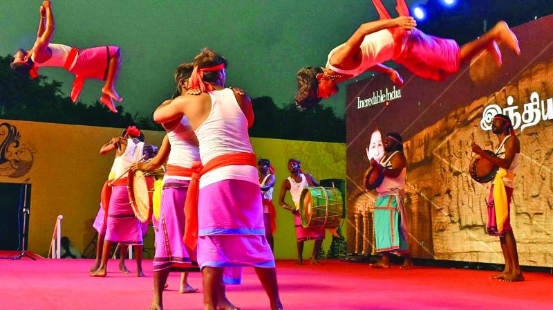 Local folk artistes displaying their skills at the ongoing Mamallapuram dance festival. (Photo: ASIAN AGE)