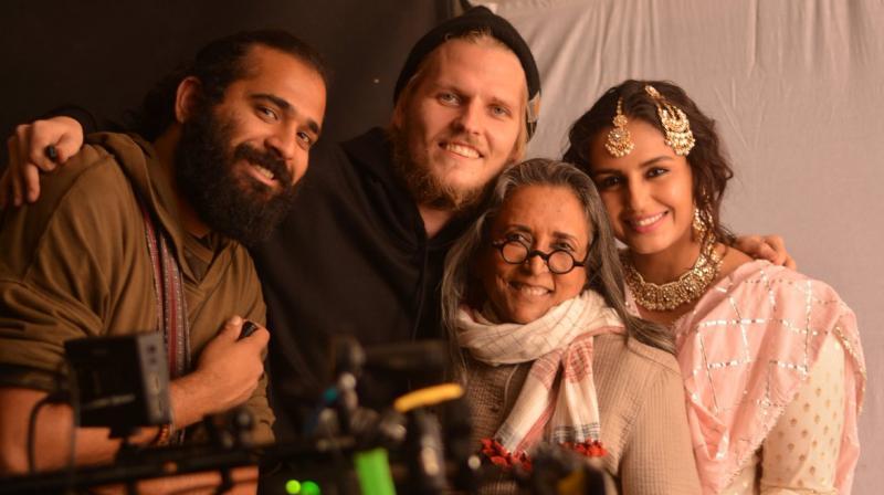 Deepa Mehta with the cast and crew on-set of 'Leila'. (Photo: Twitter/@IamDeepaMehta)