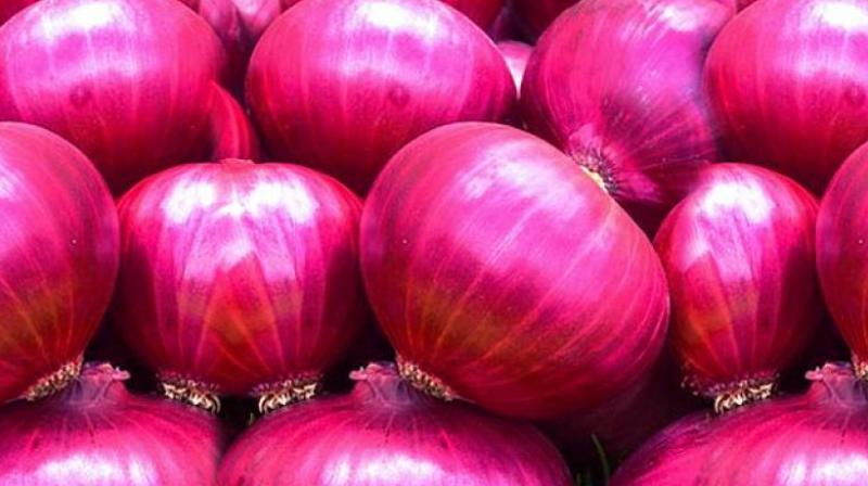 At present, the arrival of 2016-17 kharif (summer) onion is in the full swing not only in Maharashtra but also in other states like Karnataka, Madhya Pradesh, Rajasthan and Gujarat.