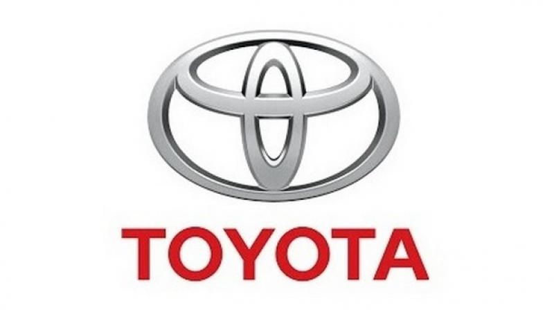 Toyota Motor Corp will invest USD 500 million in Uber Technologies Inc to jointly work on developing self-driving cars, the companies said on Monday, a bid by both to catch up to rivals in the hotly competitive autonomous driving business.
