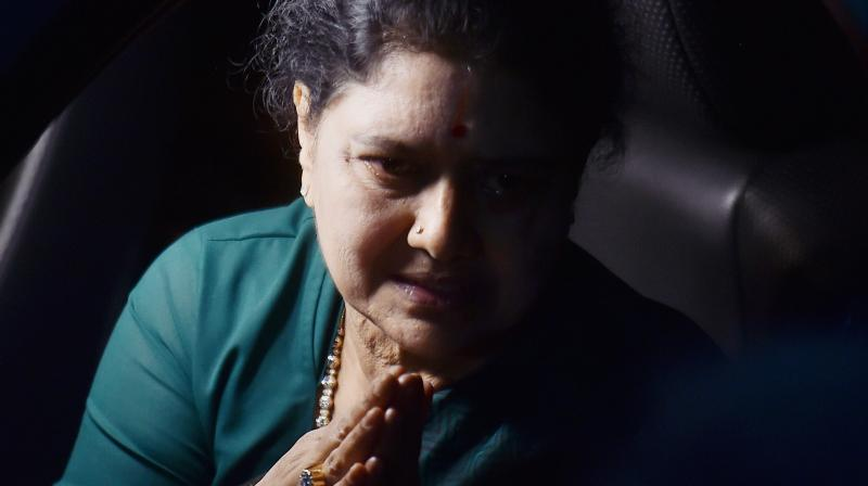 Sources said these alleged 'benami' assets were purchased by VK Sasikala by using about Rs 1,500 crore of demonetised notes and the assets were taken under fictitious identities. (Photo: File)