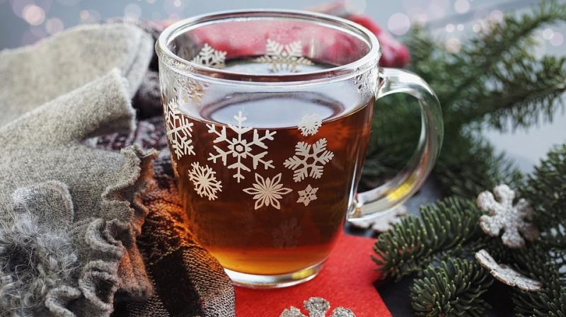 What better way to achieve that sense of bliss during Christmas than a winter cocktail! (Photo: Pixabay)