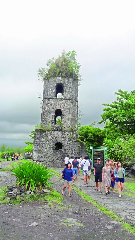 What's left of the Franciscan church at Cagsawa after the volcanic eruption in 1814