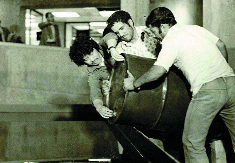 Noriyuki Haraguchi installing Oil Pool at the museum.