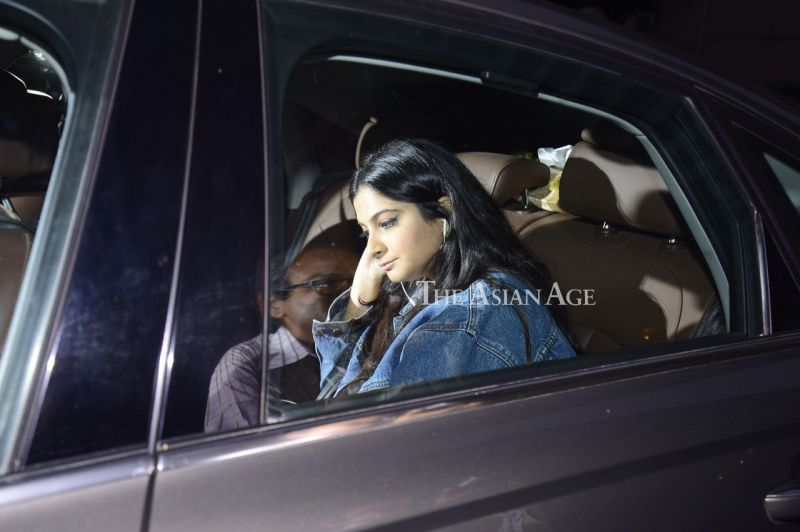 Pictures: Saif, Karisma, Kapoors visit Kareena after new arrival in family