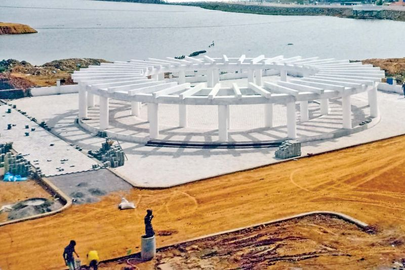 PWD officials constructing walkers path and children's park in Paruthipattu lake.   (Image: DC)