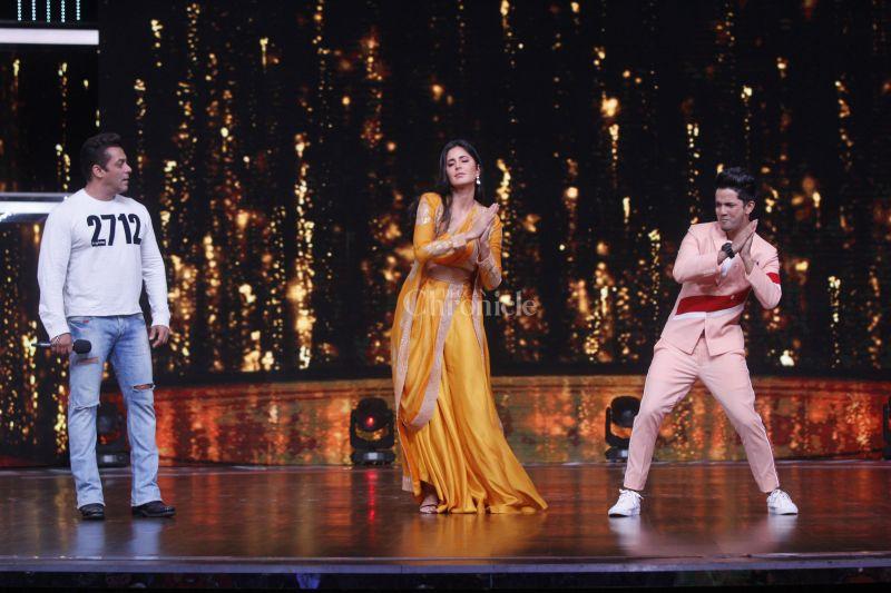Katrina dancing on Salman's O O Jaane Jaana...
