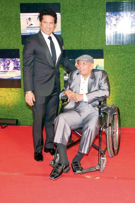 Sachin with his former coach, Ramakant Achrekar