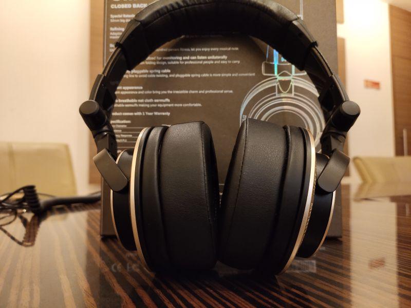 Claw SM-100 Headphones