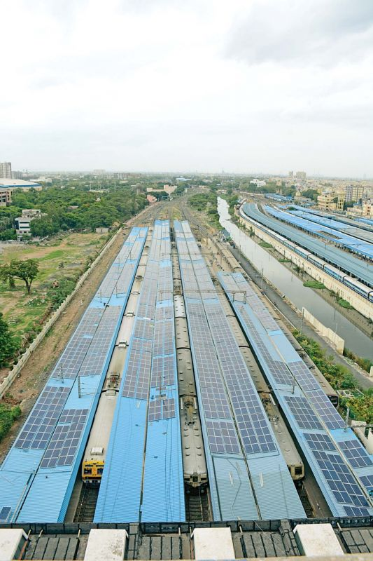 Solar  panels on rooftop of Central  suburban  station  platform. (Photo: DC)