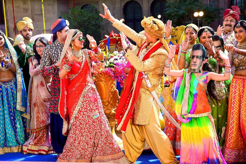 The bride and her groom set the mood for the big day by breaking into a celebratory dance. Shivangi also seems to be breaking the norm by dancing at her own baraat.