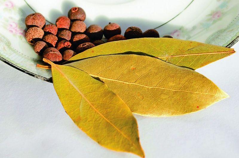 Use of raisins, saffron, cloves, bay leaf, honey and lemon in daily diet.